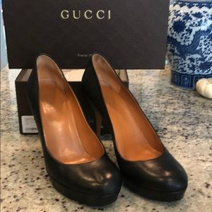 Gucci heels (black)